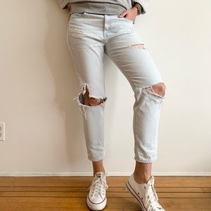 Gap Distressed Boyfriend Jeans in Light Wash